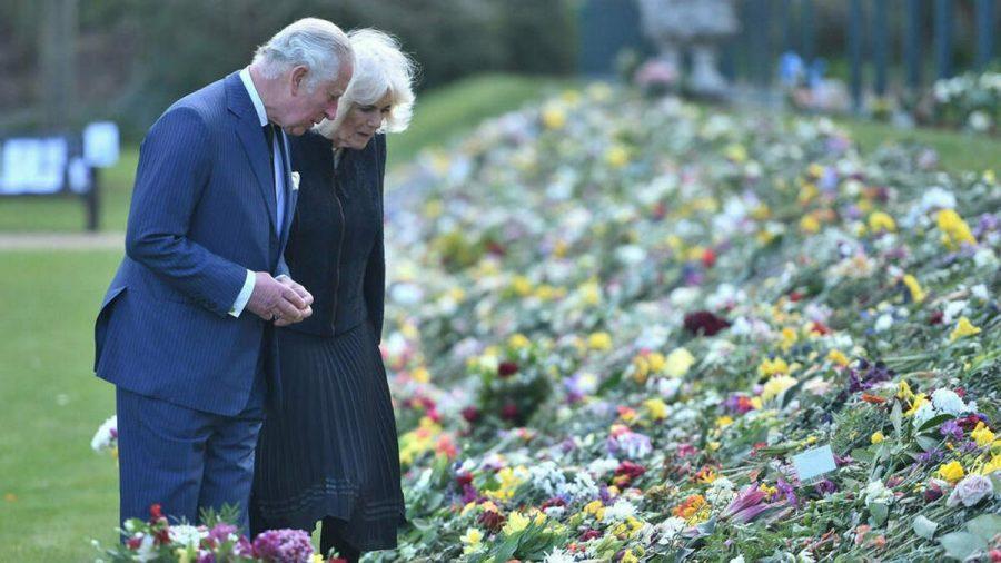 Prinz Charles und Herzogin Camilla in den Gärten von Marlborough House in London. (cos/spot)