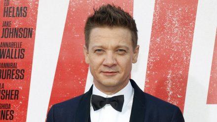 """Jeremy Renner wird schon bald als """"Hawkeye"""" in einer eigenen Marvel-Serie zu sehen sein. (eee/spot)"""
