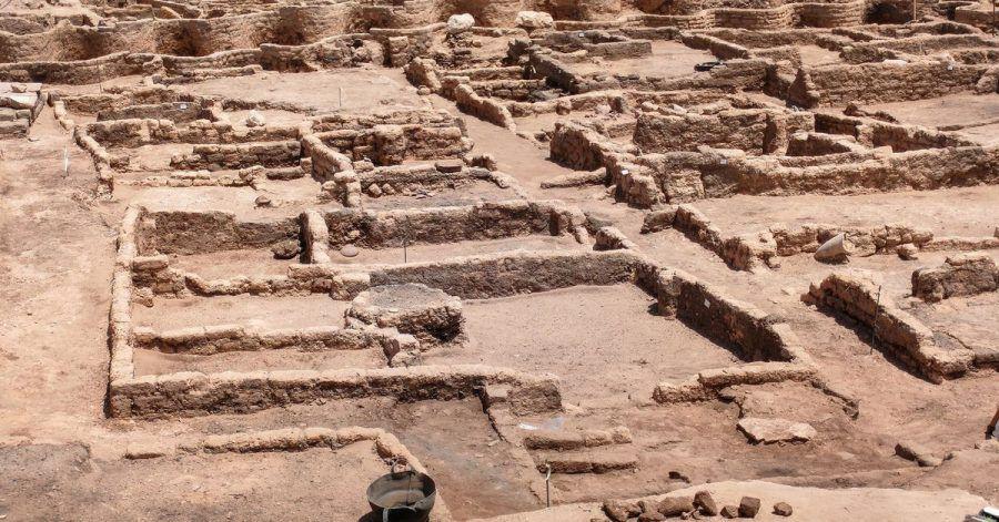 Gesamtansicht der 3000 Jahre alten Ruinen der von ägyptischen Archäologen entdeckten «verlorenen Stadt» im heutigen Luxor.