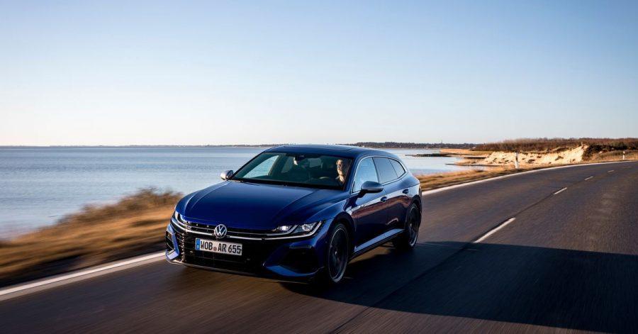 Sportler im Smoking: VW schickt den Arteon auch als besonders dynamisches R-Modell ins Rennen.