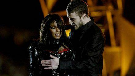 Janet Jackson und Justin Timberlake beim Super Bowl 2004. (cos/spot)