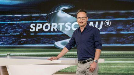 """Matthias Opdenhövel, hier noch in der """"Sportschau"""", moderiert künftig exklusiv Formate der Seven.One Entertainment Group (wue/spot)"""