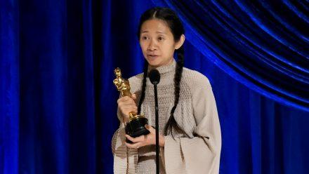 """Chloé Zhaos Film """"Nomadland"""" sahnte drei der bedeutendsten Preise des Abends ab (stk/spot)"""