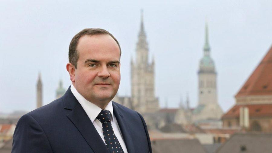 Clemens Baumgärtner ist seit März 2019 Referent für Arbeit und Wirtschaft der Stadt München - und somit offiziell Chef der Wiesn. (wag/spot)