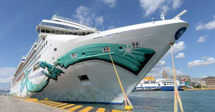 Die «Norwegian Jade» ist eines von drei Kreuzfahrtschiffen der US-Reederei Norwegian Cruise Line, die im Sommer wieder fahren sollen.