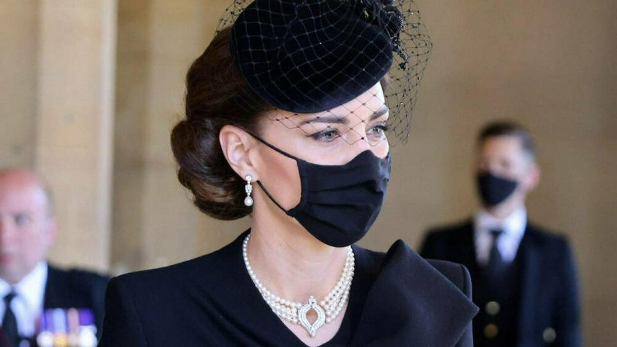 Herzogin Kate trug zur Beerdigung von Prinz Philip eine besondere Halskette. (wag/spot)
