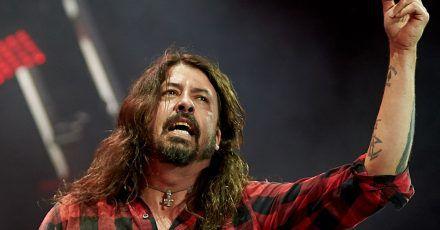 Foo-Fighters-Frontmann Dave Grohl blickt zurück.