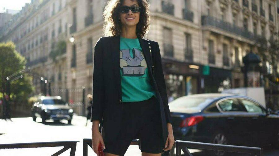 Model Alanna Arrington (22) zeigt, wie aus Radlerhose und Blazer ein stylisches Outfit entsteht. (ncz/spot)