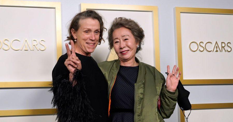 Zwei Gewinnerinnen: Frances McDormand (l) und  Youn Yuh Jung.