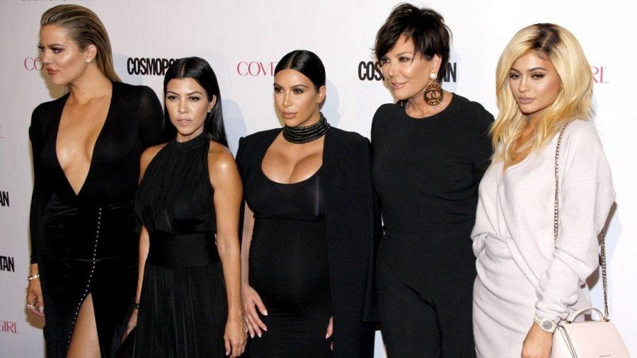 Hier sind ALLE Kardashian-Schwestern für ein Foto versammelt