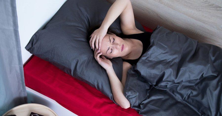 In der Corona-Pandemie kommen viele im Bett schlechter zur Ruhe als sonst.