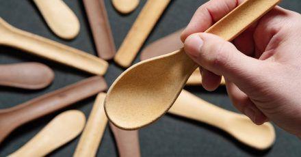 Das Göttinger Start-Up Kulero produziert essbare Löffel aus Brot.
