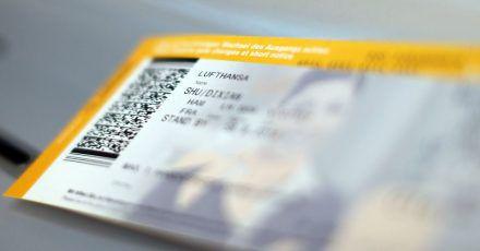Verbraucherschützer hatten nach stockenden Ticket-Erstattungen in der Corona-Krise gefordert, dass Flugreisen erst bei Antritt und nicht schon Wochen und Monate im Voraus bezahlen werden sollten.
