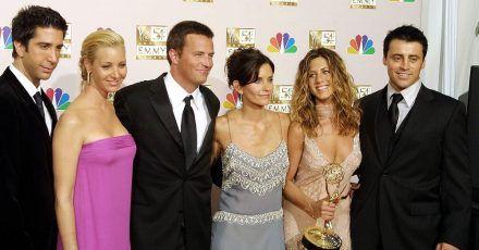 Wiedersehen der Fernseh-«Friends»: David Schwimmer (l-r), Lisa Kudrow, Mathew Perry, Courtney Cox Arquette, Jennifer Aniston und Matt LeBlanc (2002).