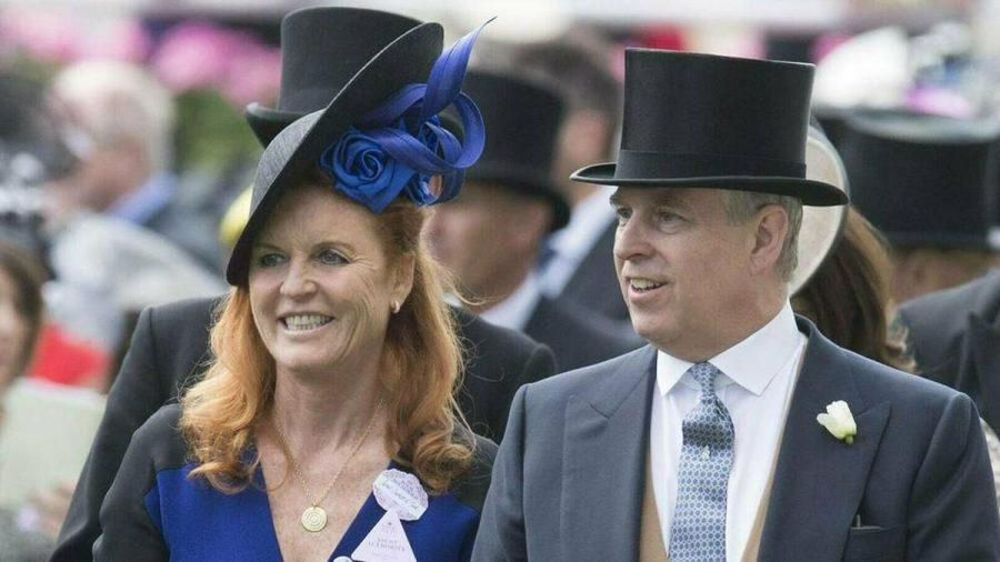 Trotz gutem Verhältnis zu ihrem Ex-Mann Prinz Andrew und der Queen wird Sarah Ferguson auf Prinz Philips Beerdigung fehlen (stk/spot)