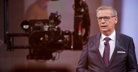 Der Moderator Günther Jauch wirbt fürs Impfen - was nicht allen gefällt.