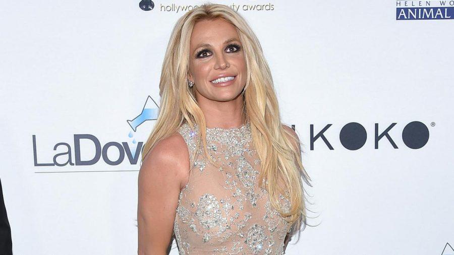 Britney Spears auf dem roten Teppich (mia/spot)