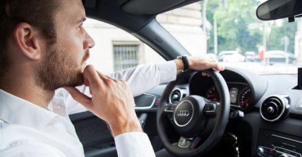 Bei langen Fahrten steigert eine gesunde Abwechslung die Konzentration, sagen Experten.