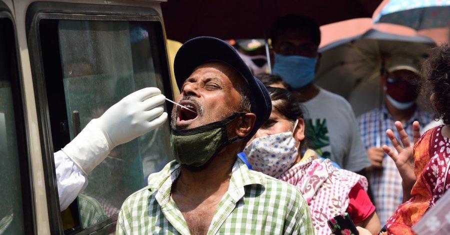Mehr als 386.000 Corona-Neuinfektionen wurden binnen eines Tages in Indien registriert - so viele wie noch nie.
