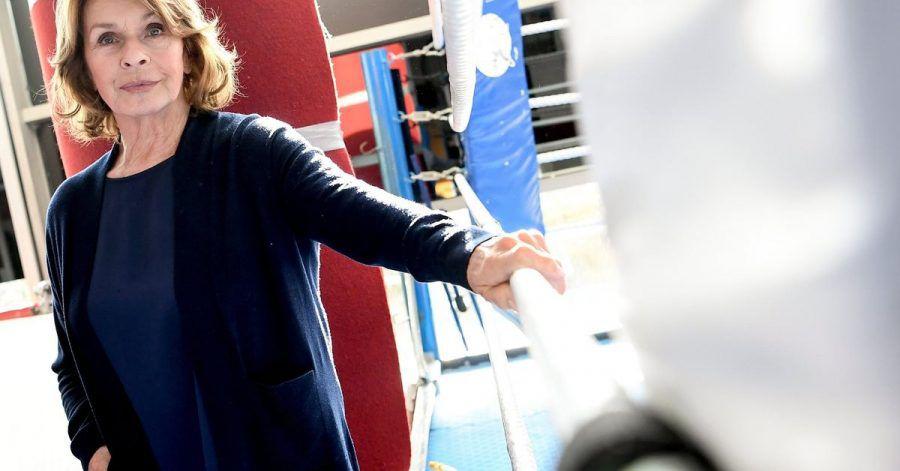 """Senta Berger am Rande der Dreharbeiten zu dem ARD-Drama """"Martha und Tommy""""."""