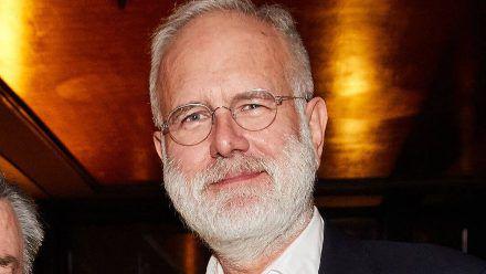 """Harald Schmidt lacht sich über's """"Traumschiff"""" schlapp und hat eine Idee"""