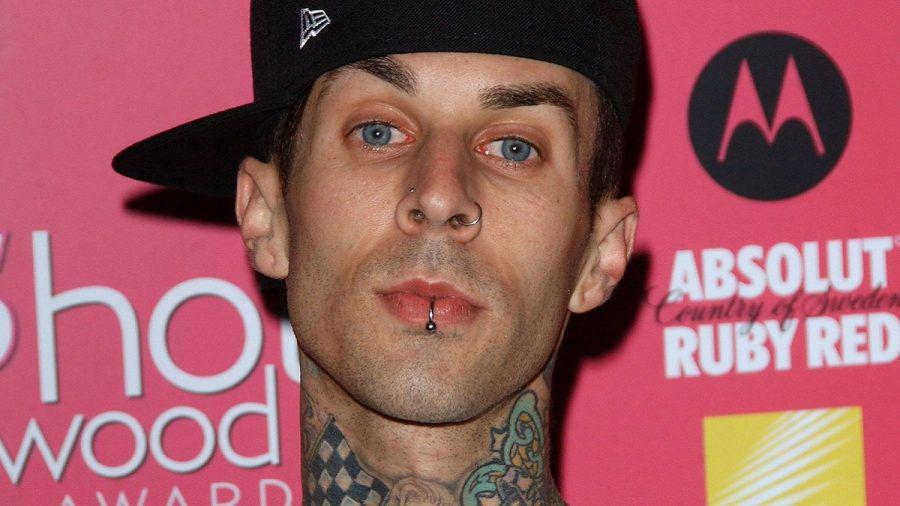 Travis Barker hat jetzt ein Kourtney-Tattoo
