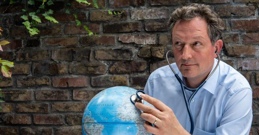 Der Mediziner Eckart von Hirschhausen hat ein Buch über Klimawandel und Corona-Krise geschrieben. Ersagt: «Wir könnten es schöner haben - und viel gesünder»