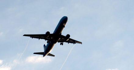 Eine Flugbuchung per Internet kann frustrierend sein, wenn der anfangs günstige Preis am Ende doch nicht zu haben ist.