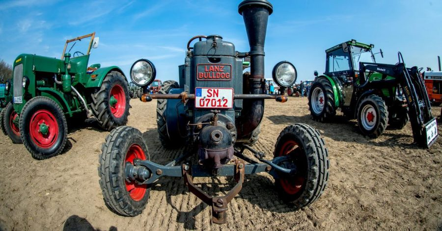 Duff-Duff-Duff-Duff-Duff: Wer Traktoren wie den Lanz Bulldog sieht, kann sie auch fast schon hören.