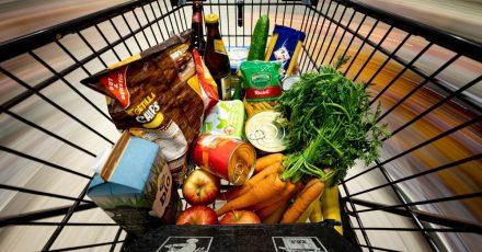Die Verbraucherpreise sind den vierten Monat in Folge gestiegen. Nahrungsmittel verteuerten sich binnen eines Jahres um 1,9 Prozent.