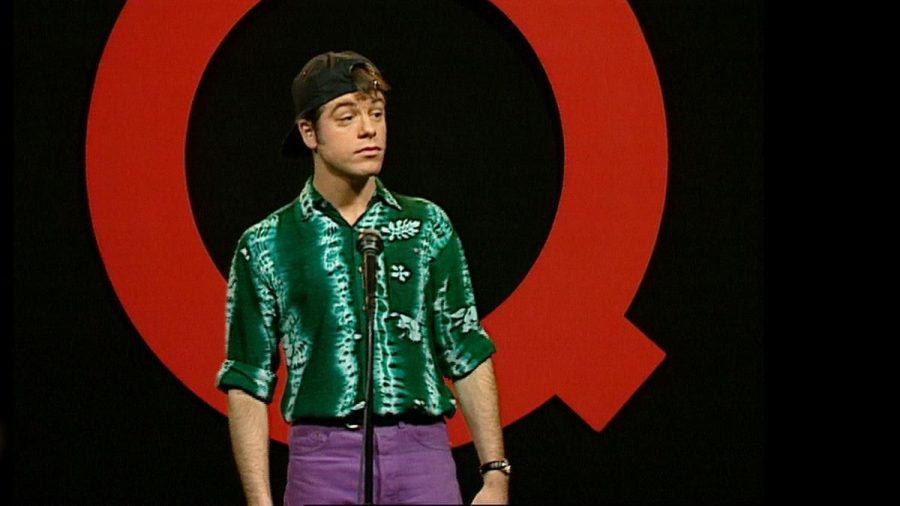 """Michael Mittermeier 1994 auf der """"Quatsch Comedy Club""""-Bühne. (jom/spot)"""