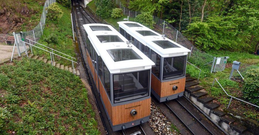 Die Merkurbergbahn in Baden-Baden wurde erneuert. Für Menschen mit Handicap oder Eltern mit Kinderwagen gibt es nun einen barrierefreien Zugang.