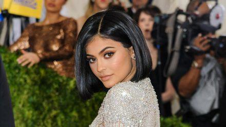 Kylie Jenner will anscheinend ihr Bademodengeschäft ausweiten. (wag/spot)