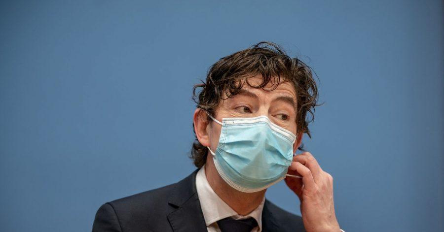 Christian Drosten, Direktor des Instituts für Virologie, Charité Berlin, nimmt an einer Pressekonferenz teil. (Archivbild)