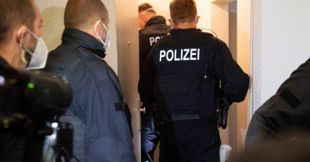 Bei einer großangelegten Razzia gingen Bundespolizisten in mehreren Bundesländern gegen Schleuserkriminalität vor.