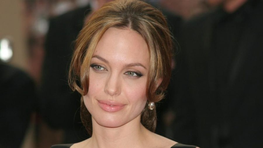 Angelina Jolie ist seit der Trennung von Brad Pitt Single. (ncz/spot)