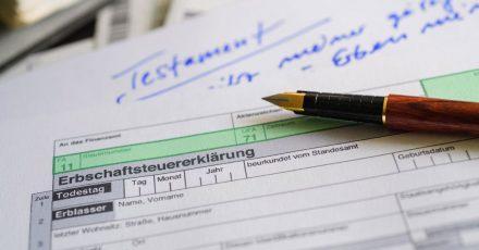 Führt ein Testamentsvollstrecker zum Beispiel auch Jahre nach dem Erbfall keine Erbschaftsteuer ab, so ist das ein guter Grund, ihn zu entlassen.