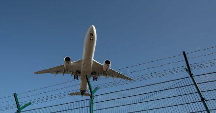 Bis 2030 wollen Politik und die Luftfahrtbranche mindestens 200.000 Tonnen nachhaltig erzeugtes Kerosin verwenden.
