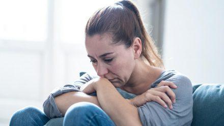 Viele Menschen leiden durch die Corona-Pandemie unter Depressionen. (eee/spot)