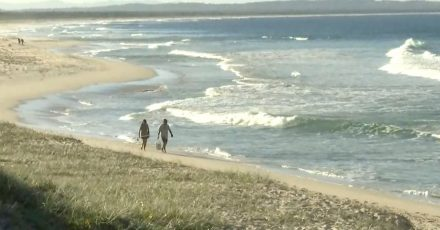 An der australischen Ostküste ist ein Surfer bei einem Haiangriff ums Leben gekommen.