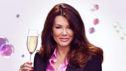 Lisa Vanderpump hat ein Händchen dafür, ihren Gästen Geheimnisse zu entlocken. (stk/spot)
