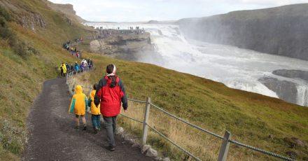 Auf Island gelten neue Regeln für die Einreise. Deutsche Urlauber ohne Corona-Impfung oder überstandene Infektion müssen zunächst in ein Quarantänehotel.