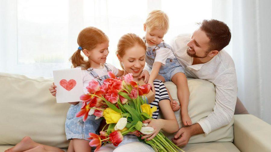 Blumen eigenen sich perfekt als Geschenk für den Muttertag. (eee/sob/spot)