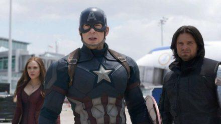 """""""The First Avenger: Civil War"""": Captain America (Chris Evans) traut seinen Augen nicht (cg/spot)"""