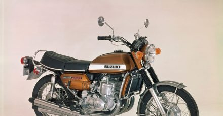 «Wasserbüffel»: Diesen Spitznamen bekam die Suzuki GT 750 aus den 1970ern wegen ihres großvolumigen, wassergekühlten Zweitaktmotors, der schon aus dem Drehzahlkeller gut anschob.
