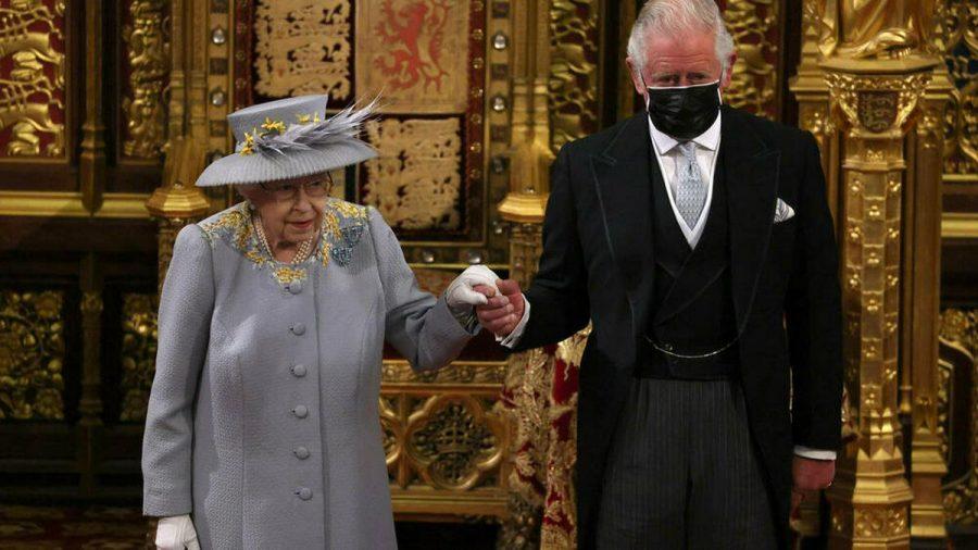 Wie schon im vergangenen Jahr wurde die Queen von Prinz Charles begleitet (rto/spot)