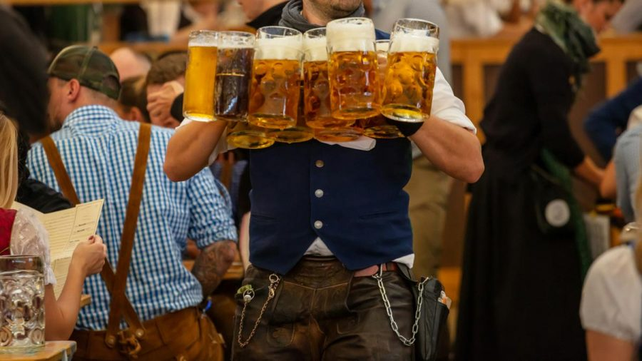 Das Oktoberfest wird frühestens 2022 wieder gefeiert (wue/spot)