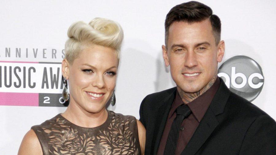 Gehen seit 15 Jahren als Ehepaar gemeinsam durchs Leben: Pink und Carey Hart. (jom/spot)