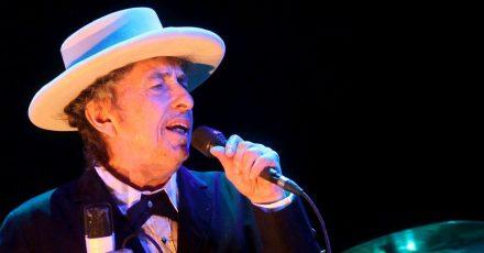 Bob Dylan, US-amerikanischer Singer-Songwriter, wird groß gefeiert.