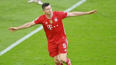 Im letzten Spiel der Saison kommende Woche kann Robert Lewandowski den Müller-Rekord sogar noch brechen. (stk/spot)